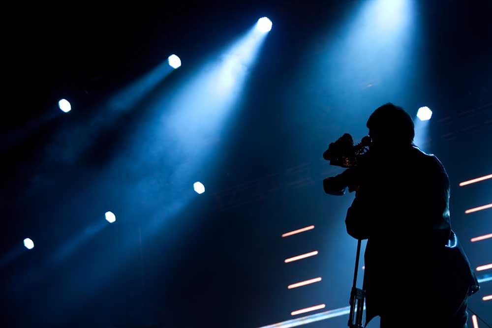 Videos musicales: YouTube o Facebook